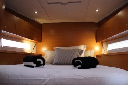 Grand Soleil 54 - master cabin fore